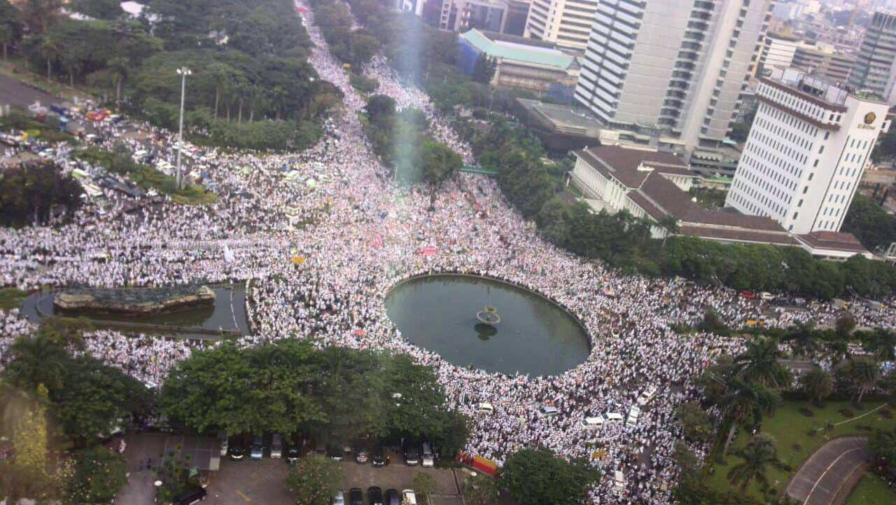 Why 1-2 million people rallied in Indonesia recently (with pictures)